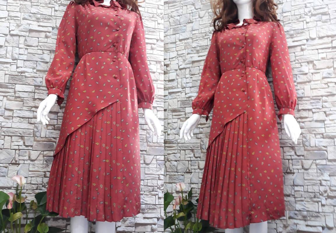 Đầm đỏ họa tiết