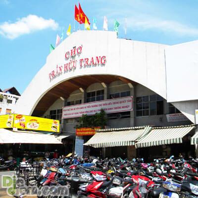 Chợ Trần Hữu Trang (Nguồn hình: diadiem.com)