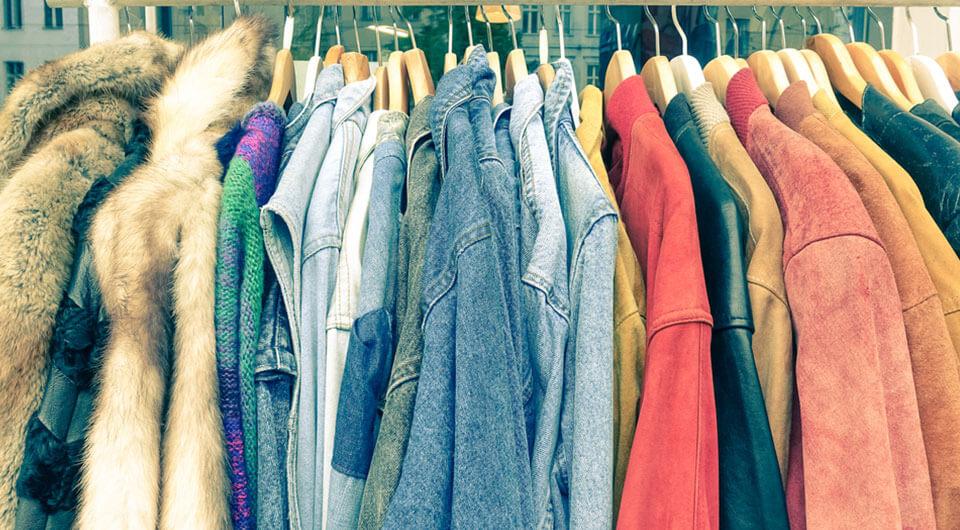 Cách xử lý quần áo hàng thùng đúng