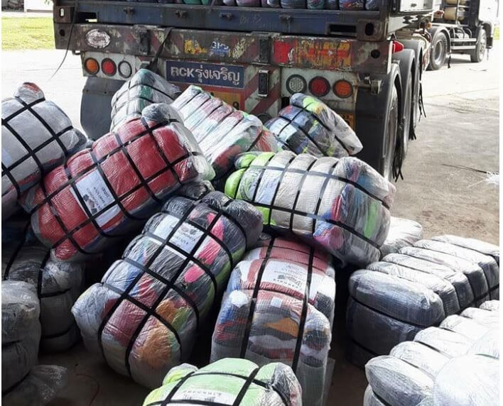 Hàng thùng tại Campuchia