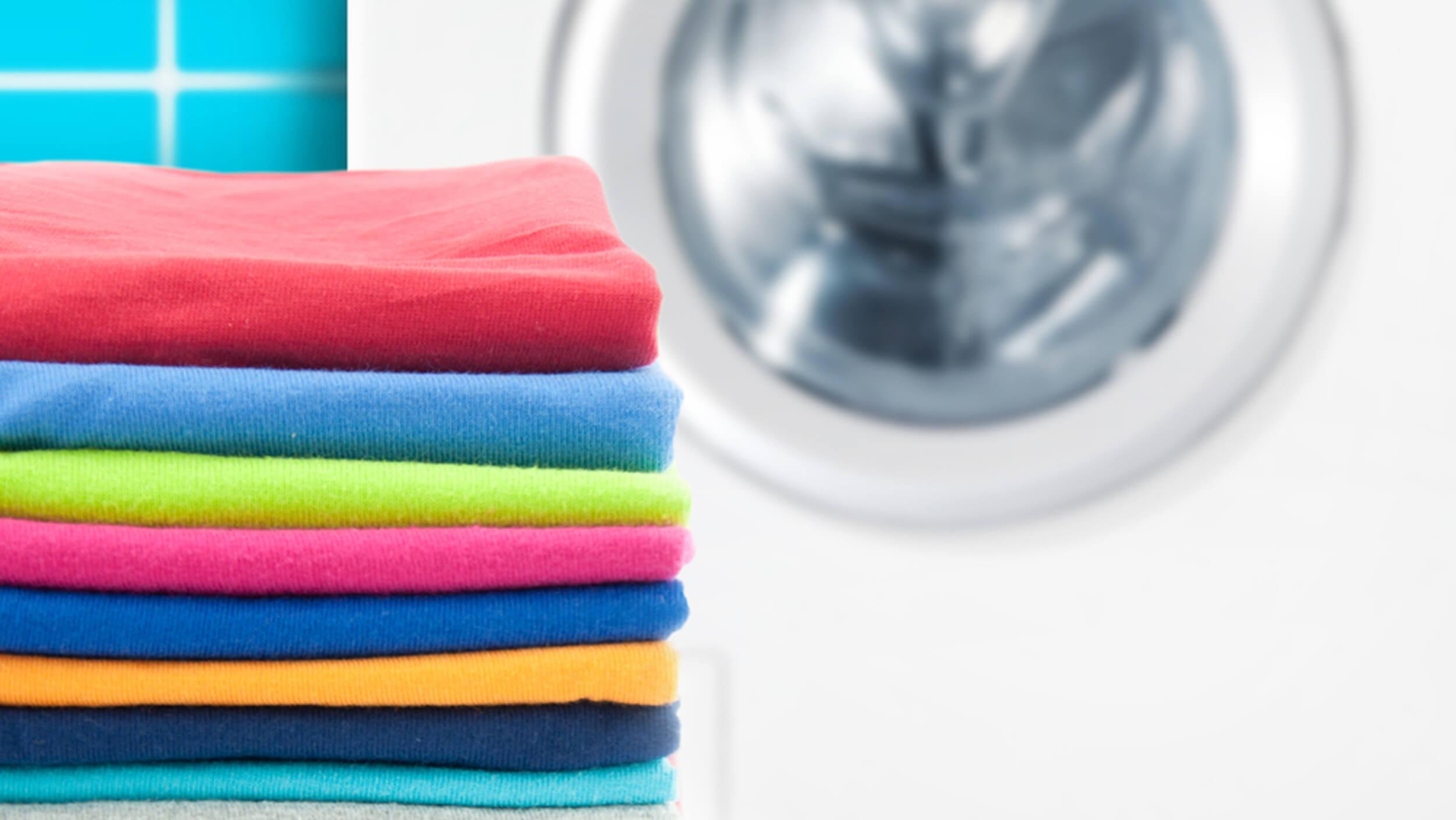 Giặt quần áo hàng thùng