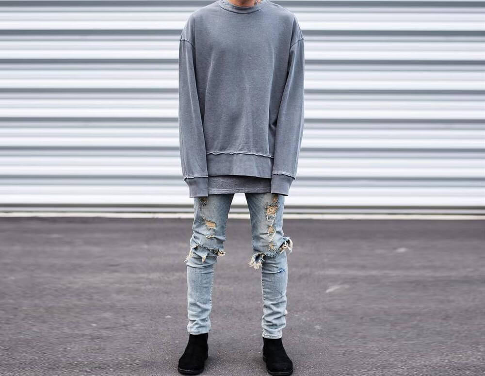 Quần jean rách phối Sweater nam (Nguồn hình: DHgate.com)