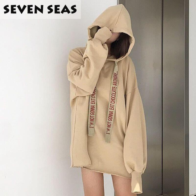 """Mốt hoodie nữ """"không quần"""" (Nguồn hình: Seven Seas)"""