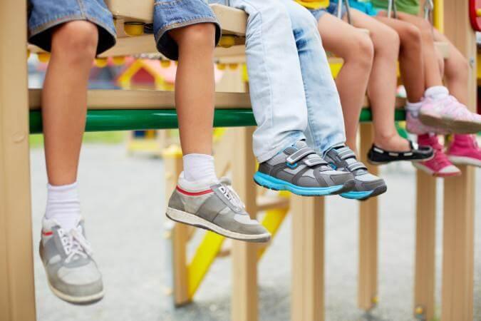 Giày trẻ em hàng thùng có nhiều ưu điểm