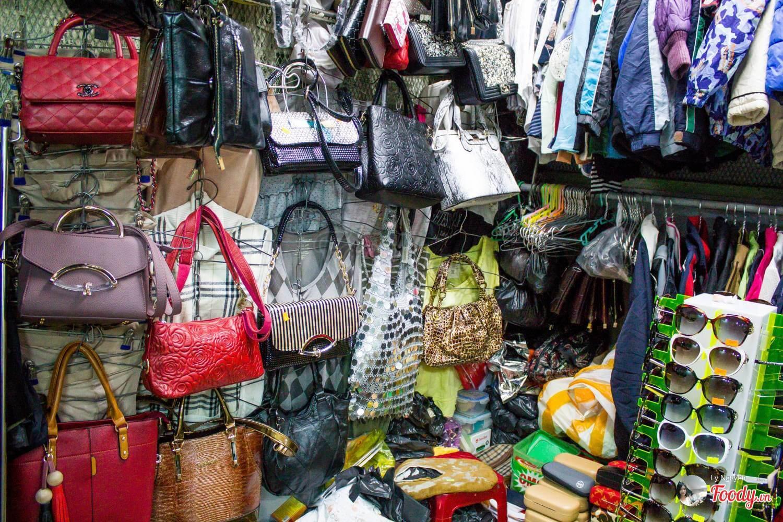 Chợ Đống Đa Hàng bành, túi xách (Nguồn hình: foody)