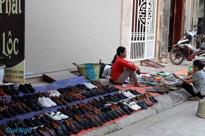Chợ Vạn Phúc (Nguồn hình: quenga) phố hàng thùng Hà Nội