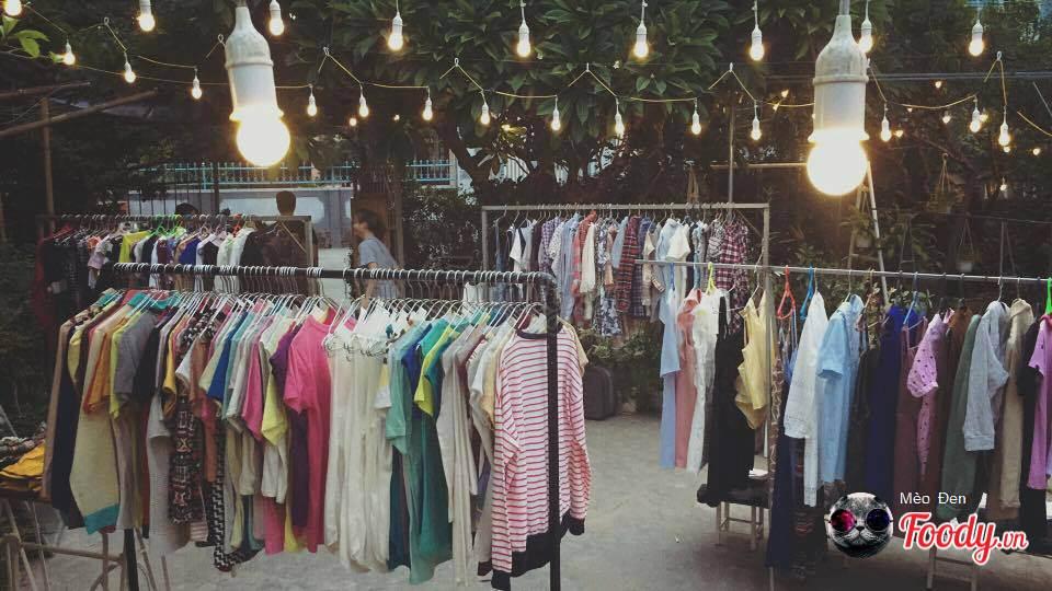 Chợ Đèn - Chợ đêm đồ bành (Nguồn hình: foody)