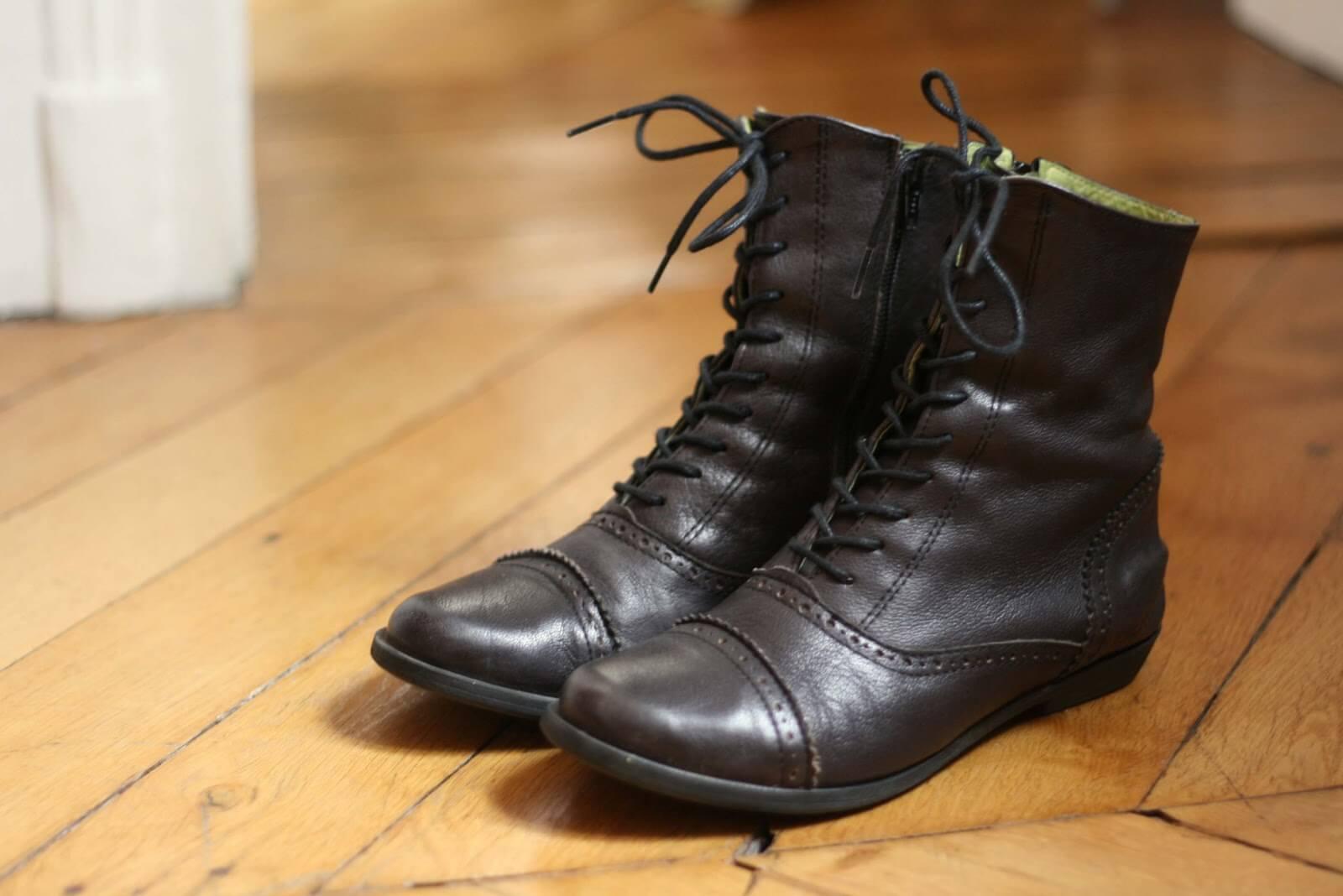 Giày boots secondhand đa phần còn rất mới