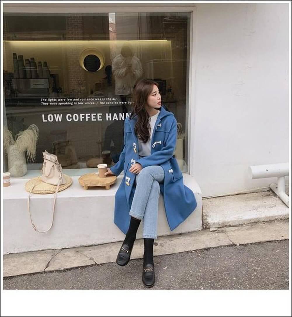 Phối Áo khoác dạ dáng dài với Quần Jeans