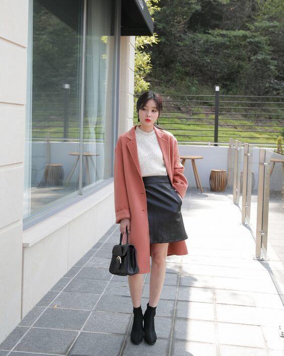 Áo khoác dạ với chân váy