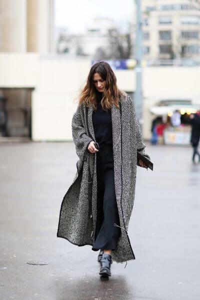 Đầm maxi với áo khoác dáng dài