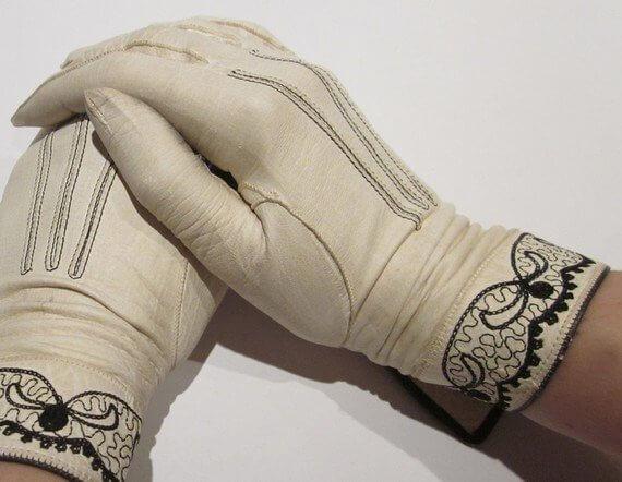 Găng tay phong cách cổ điển
