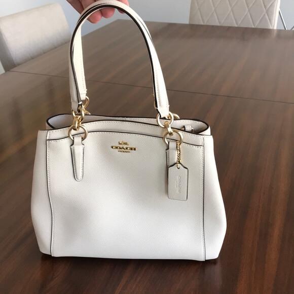 Túi xách trắng