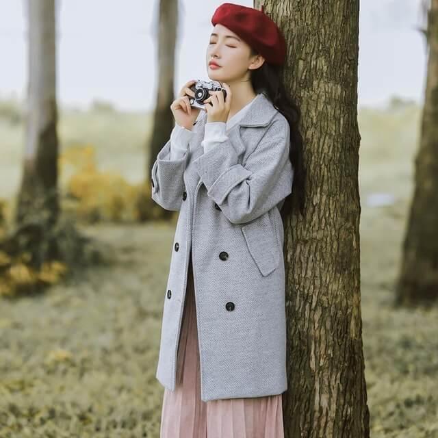 Trang phục mùa đông với đầm áo khoác dạ