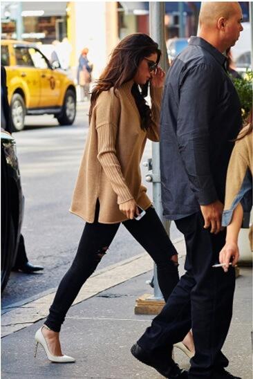 Áo len thu đông phong cách của Selena