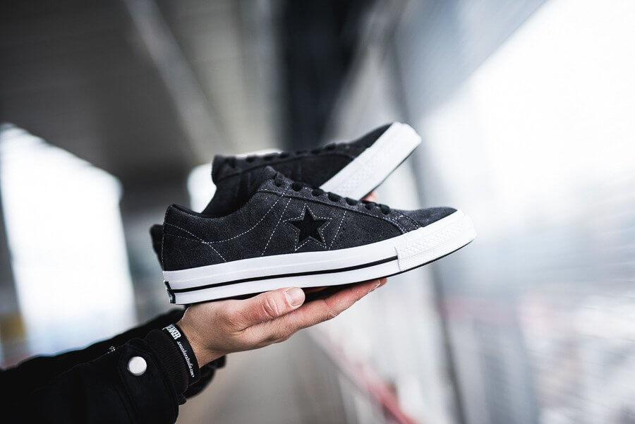 Giày Converse nữ cổ thấp màu xám đen - One Star Dark Star Vintage Suede