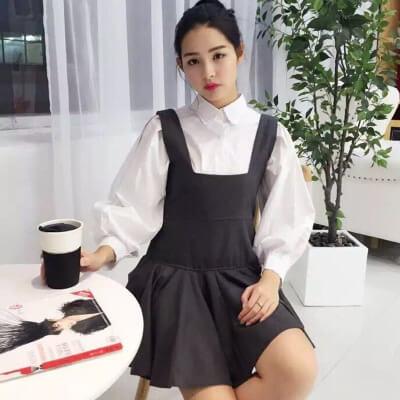 Váy yếm | Cách phối đồ với áo sơ mi nữ