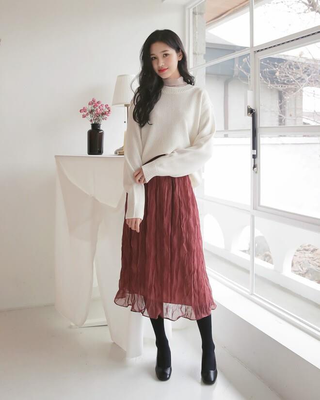 Đầm voan phối áo len nữ tính