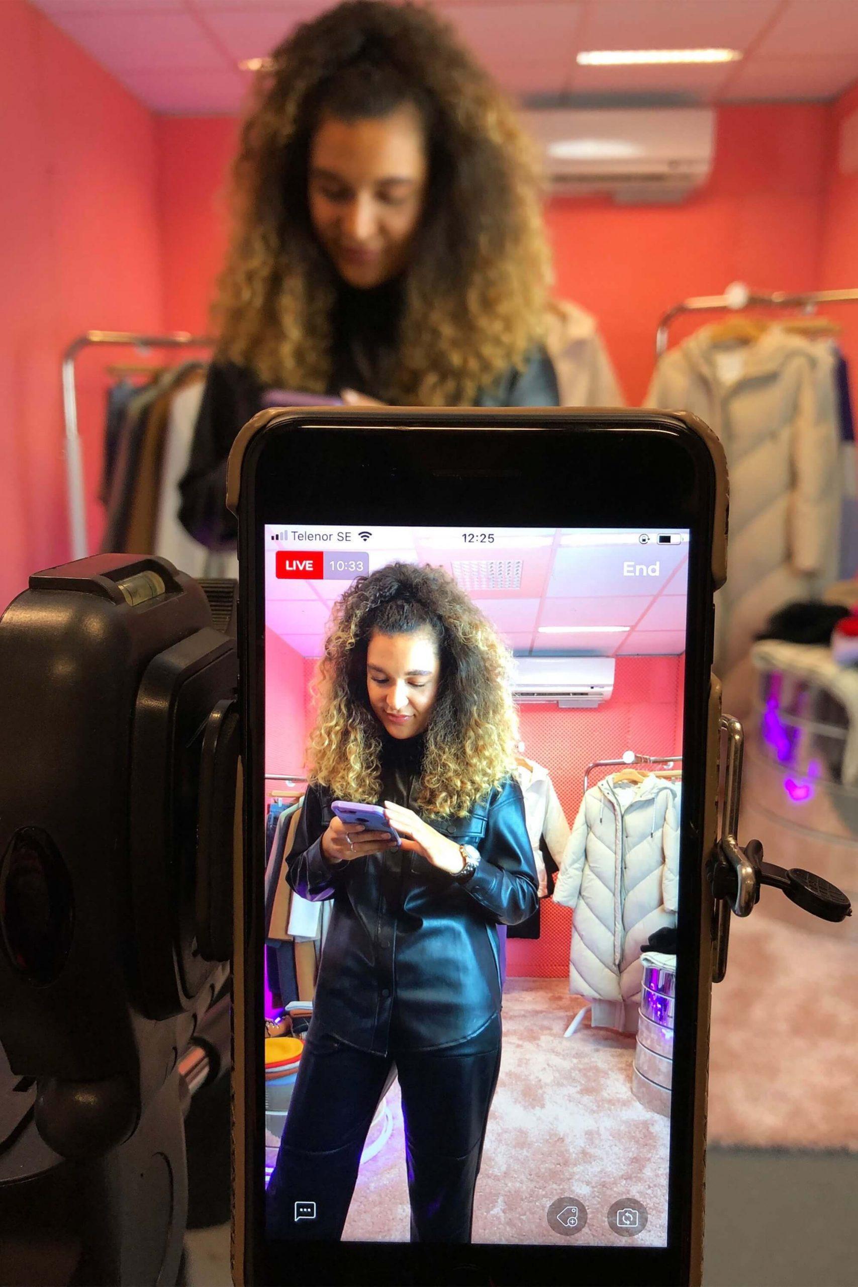 Livestream bán quần áo hiệu quả