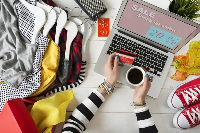 Tại sao nên bán quần áo online