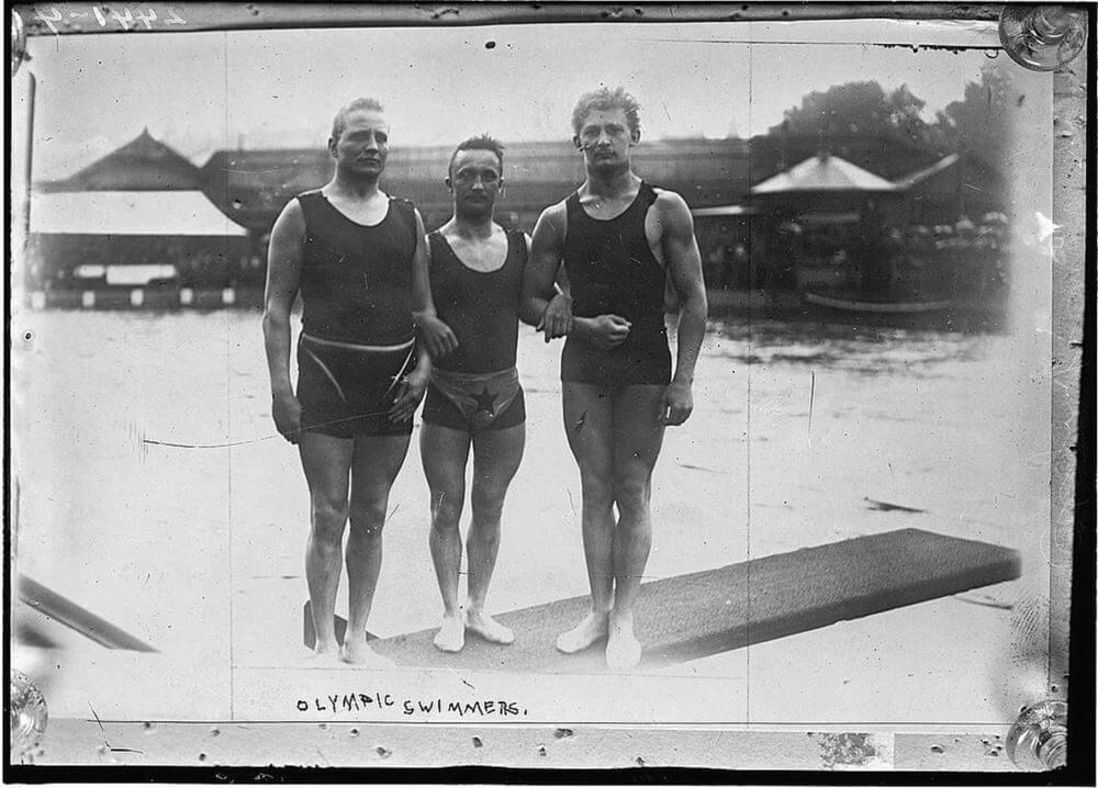 Tanktop trong thể thao Olympic bơi lội