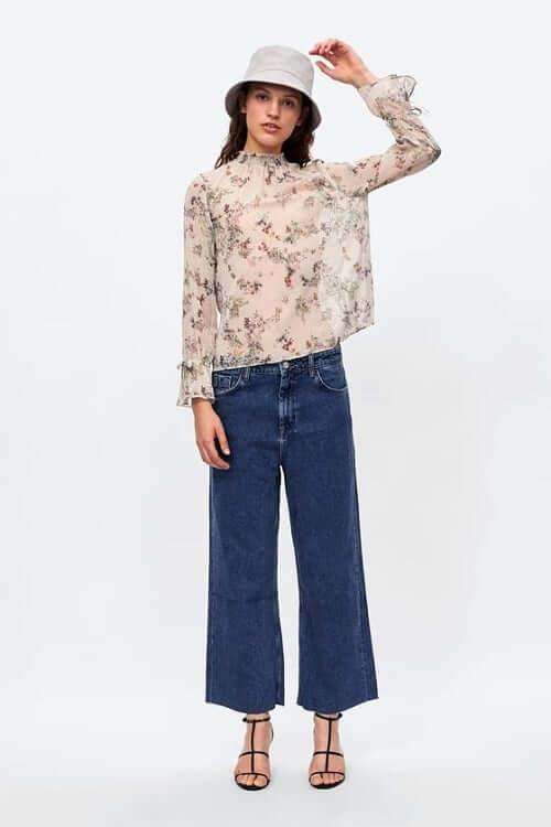 cách phối đồ với quần ống rộng jeans nữ sơ mi xuyên thấu nữ tính