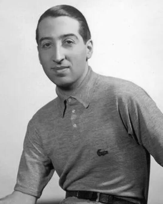 Jean René Lacoste ngoi sao quan vot da cai tien dong tennis bang ao thun vai ca sau